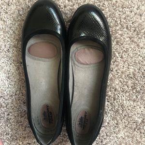 Women's Black Flat Shoes